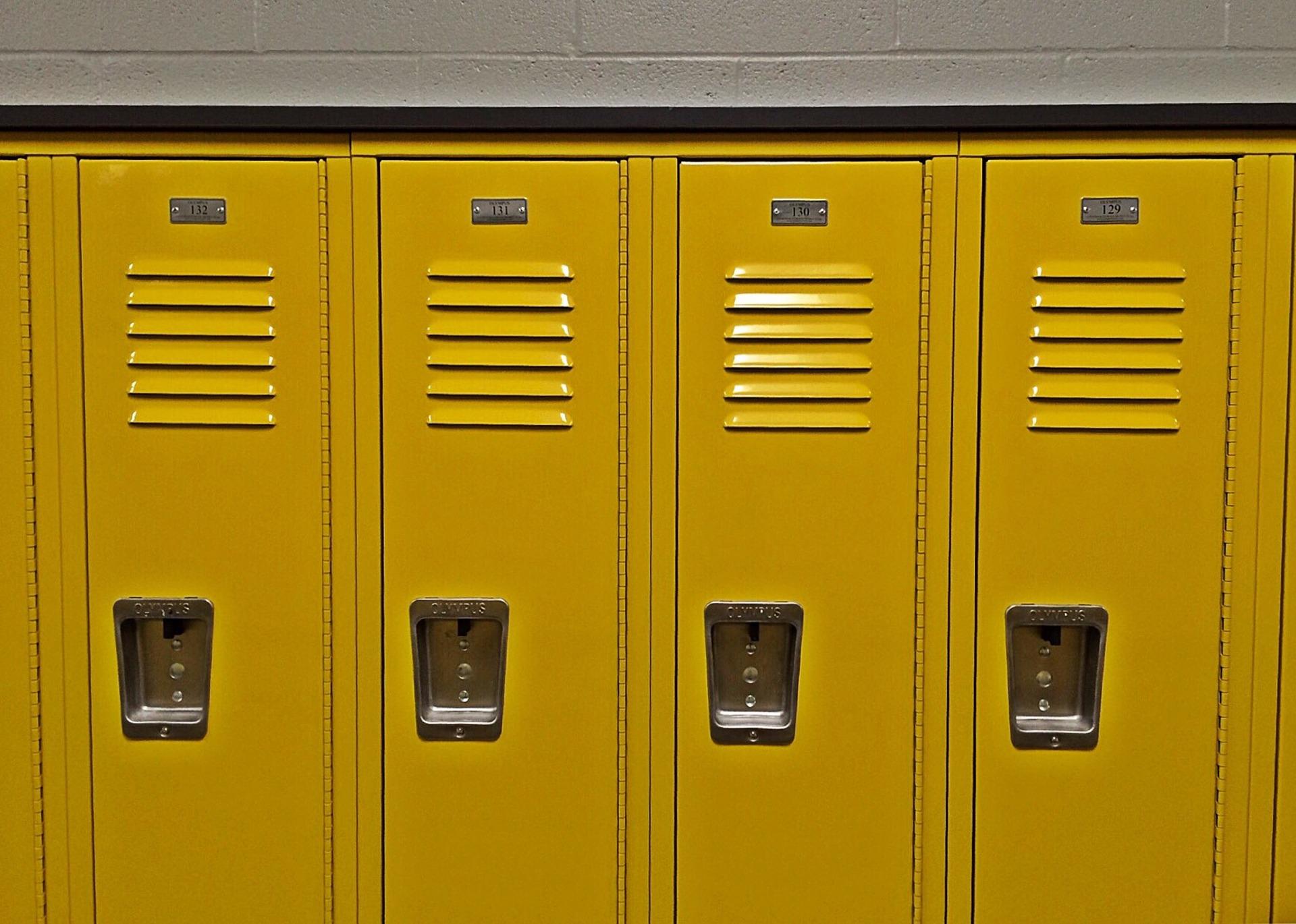 lockers-1622864_1920